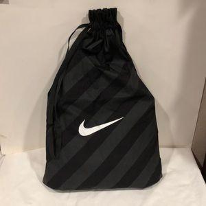 Nike drawstring large duffle / backpack
